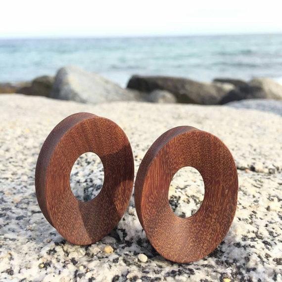 46mm Pair of oval corkwood plug.