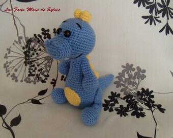 Small blue dinosaur crochet