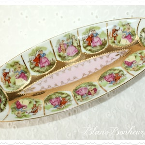Western Germany LOVE STORY Hand painted Fragonard pedestal plate with beehive blue mark NC