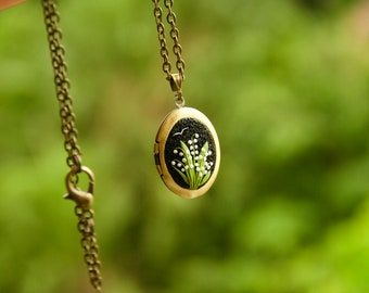 LOCKET with lily