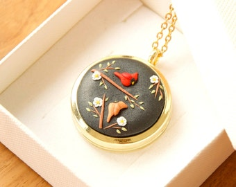 CARDINAL LOCKET NECKLACE with photo personalized gift Gold locket Sympathy gift for loss Mother Birthday gift Wedding bouquet jewelry