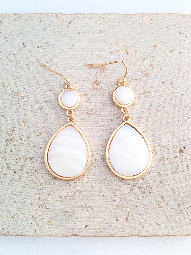 Tear Drop Earring,Sea Shell Drop Earring,Sea Shell Tear Drop Earring,White Tear Drop Earring,Bridesmaid Earring,Bridal Earring