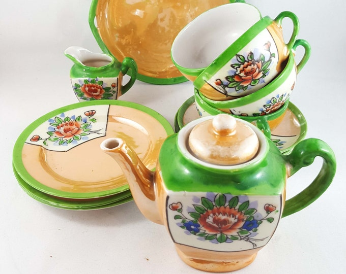 Vintage Childrens Tea Set