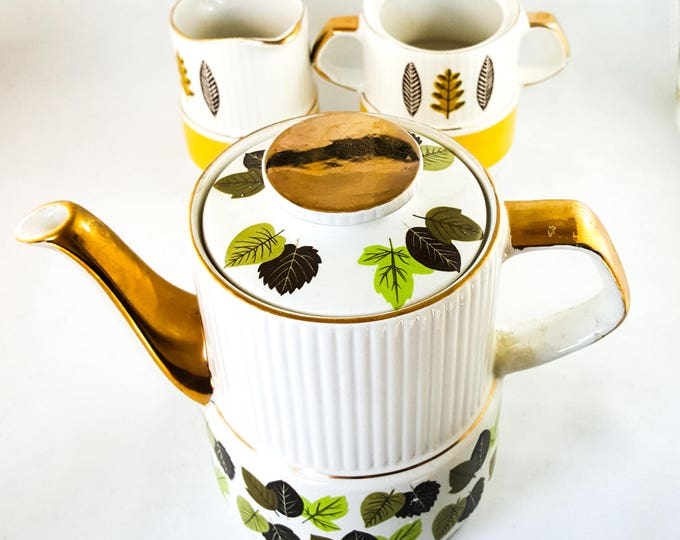 Buttercups and Daisy Sadler TeaPot Coffee Pot with Mix and Match Cream and open Sugar Set