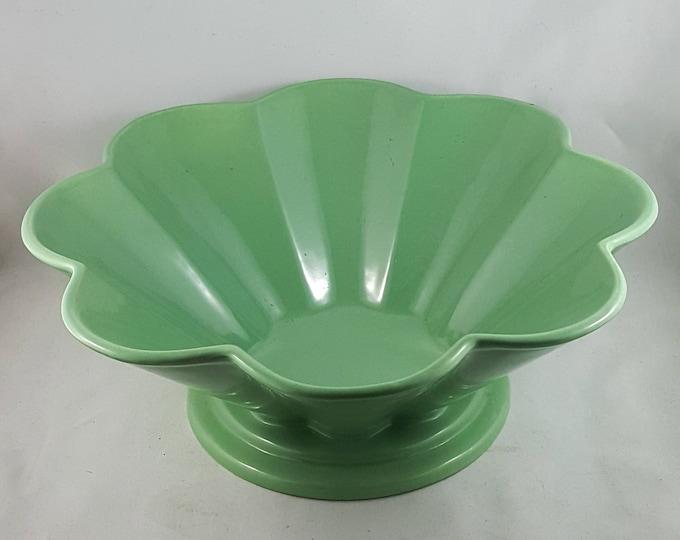 Lovely Jade Scalloped Rimmed Fruit Bowl