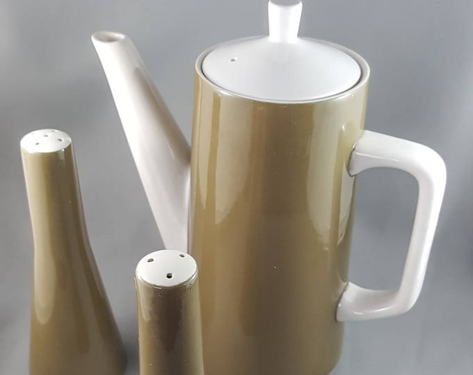 Elegant Prismastone Coffee Pot with Matching Salt and Pepper Shakers