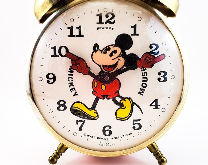 Vintage collectible Twin Bell Footed Bradley Mickey Mouse Wind Up Alarm Clock 1960's