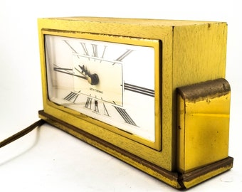 Iconic SETH-THOMAS 1930's Art Deco Electric Alarm Desk Clock in Yellow and Gold