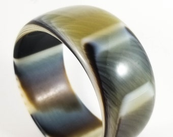 Gorgeous Italian Acrylic Marbled lucite Bangle in Beige, Brown Amber and Black