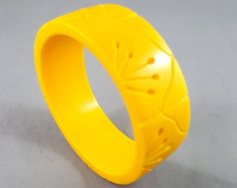 Fabulous Yellow Carved Lucite Bangle