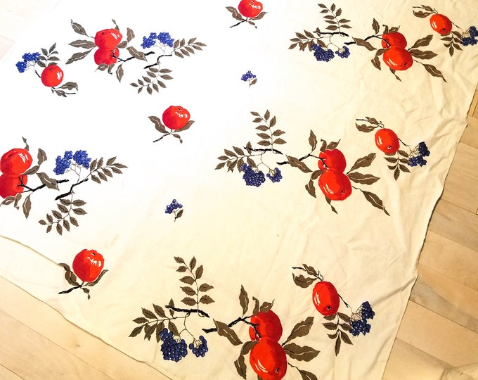 """1950's Country Kitchen White Rectangular Cotton Tablecloth with Bright Red Apples and Purple . Grapes Motif - 47"""" x 64"""""""