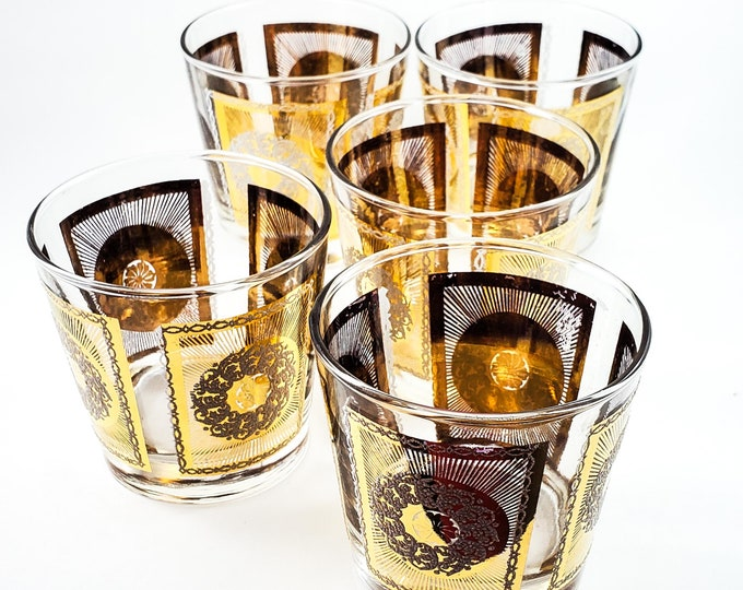Awesome Vintage Mid Century Gold Embossed Whiskey Glasses with White Glitter Wreath In the Center
