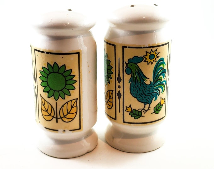 MCM Ceramic Salt and Pepper Shakers with Stoppers Rooster and Daisy Motif