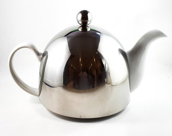 Fantastic Chrome and ceramic Insulated Teapot Stainless Steel 42oz 1950's Tea Services with loose tea strainer