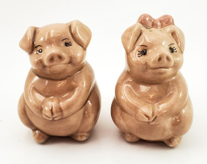 Adorable Vintage Two Little Pigs Salt and Pepper