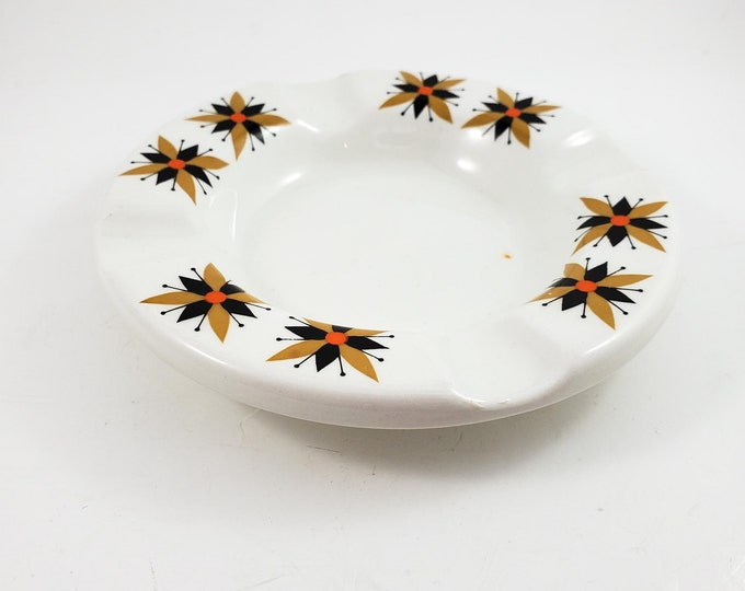 Sweet Little White Ashtray/Trinket Dish  Mid Century Modern | Irish sunburst motif