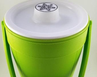 Green Jumbo Size Rubbermaid Plastic Snowflake Ice Bucket