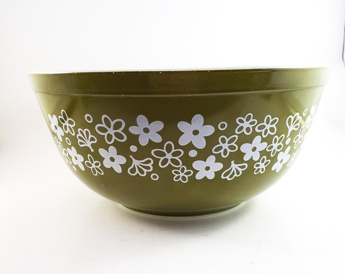 Crazy Daisy Olive Pyrex 2.5 QT Mixing Bowl, marked 403