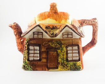 Vintage Hand Painted Adorable Cottage Tea Pot! Collectible, Made in England, tea time, fun gifts, kitchen