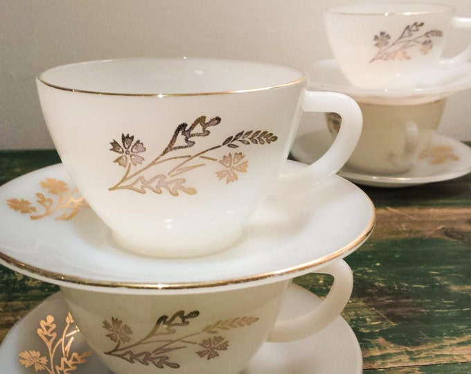 Lovely Vintage Federal Milk Glass Gold Leaf Tea Cup Set