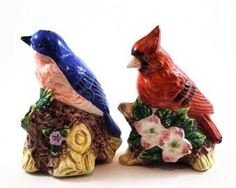 Gorgeous Bird Salt and Pepper Shakers. Cardinal and Blue Jay Salt and Pepper Shakers. Vintage Kitchen Decor.