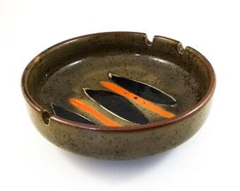 Handsome Hand Painted Olive Glaze Mid Century Ashtray/Trinket Dish