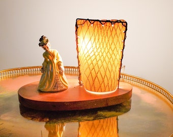 Super Cute 1950's Vintage Mid Century Ceramic Accent/Table Lamp with Ceramic Victorian Lady and Fibreglass Curved Shade/Screen