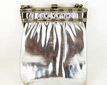 Fantastic Silver Lame Vintage Handbag with Metallic Adjustable Chain