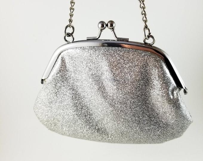 "Vintage Stunning 1960's Silver Plastic Handbag/Purse/Clutch with 19"" chain"