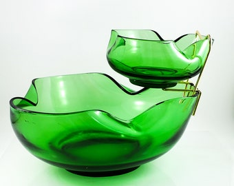 Anchor Hocking Mid Century Bright Emerald Green Glass Chip and Dip Set. Modern 3 Piece Emerald Green Glass Bowls