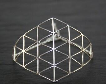Geometric pattern cuff