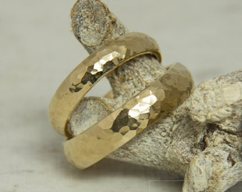 Wedding Rings Hammered – The Strong