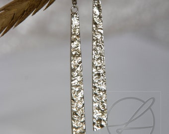 Earrings long textured