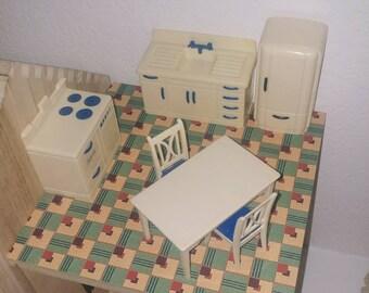 BEST BRAND Vtg 1950s PINK HARD PLASTIC BUNK BED LADDER  DOLL HOUSE MINIATURES