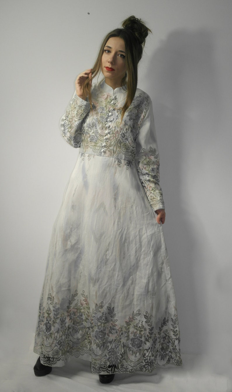 Maxi modest dress  Floral turkish dress  White maxi dress with floral pattern