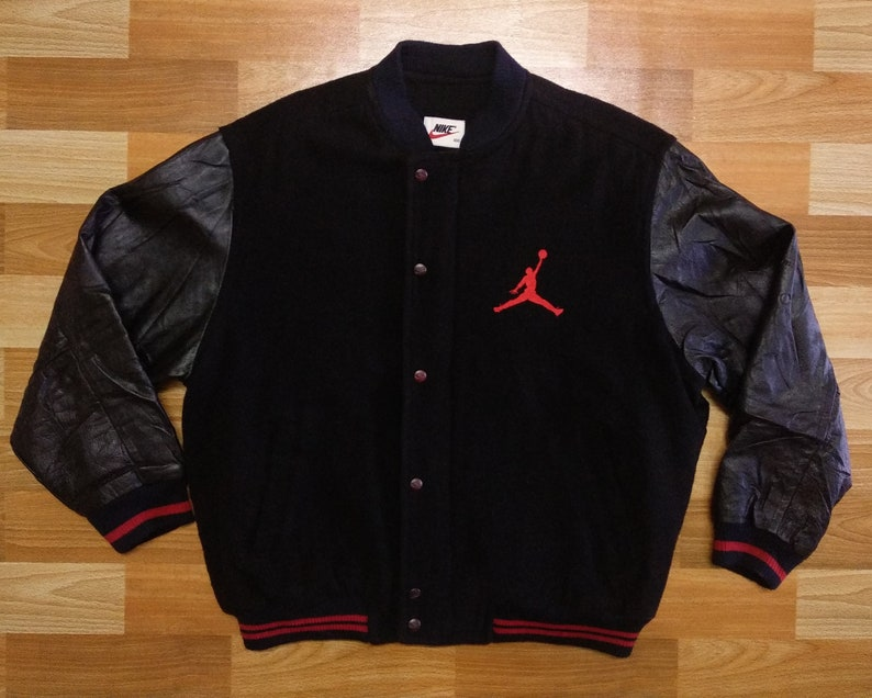 5d6a6d339f9a92 Vintage 90 s Nike Air Jordan Varsity Jacket size L XL wool