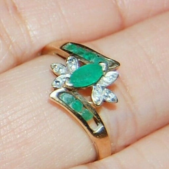10K Yellow Gold Ring Marquise Green Emerald Gemsto