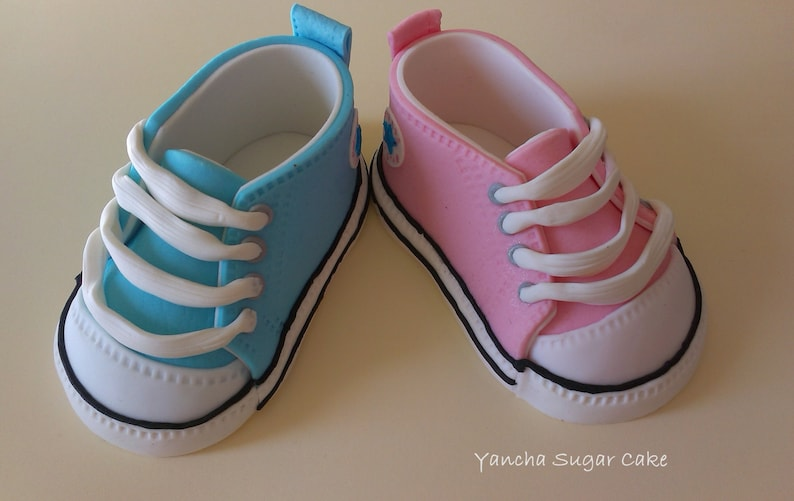 Fondant Edible pair of Baby shoes Converse Baby sneackers Cake  2f98f85e7