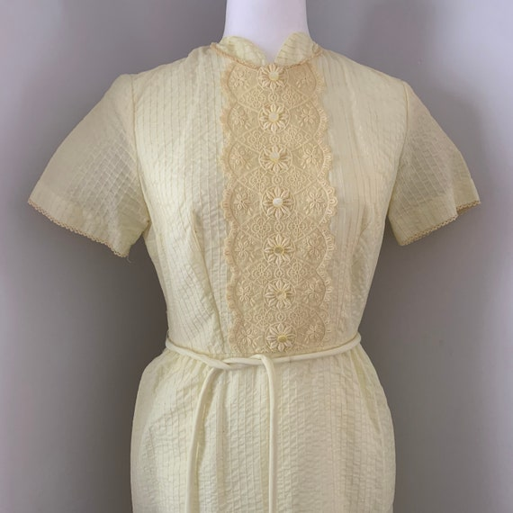 Vintage Dauphine Yellow lace Belted House Dress, 1