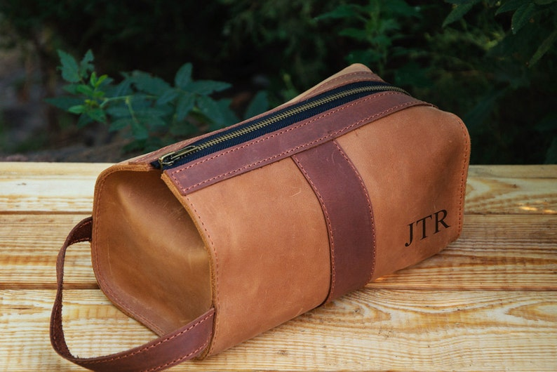 35a5f73848 Personalized Leather Mens travel case Toiletry Bag Dopp Kit