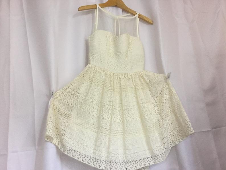 Sweetheart Dress Ivory Dress Size 5 Dress Wedding Dress Formal Dress  Lace Dress Made in USA FREESHIPPING USA
