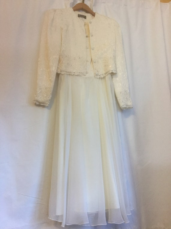 Vintage Gown | Off White Gown | Wedding Dress | Fo
