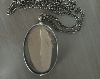 "32"" Feather Glass Gunmetal Tin Boho Chic Native American Indian Southwest Amulet Flight Tribal Necklace, 36g."