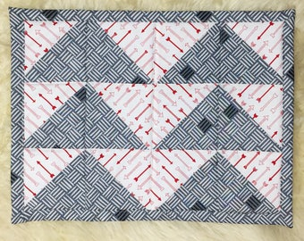 Placemat Set: Flying Arrows