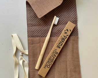 Sustainable Travel Pouch with Bonus 2 Eco Toothbrushes