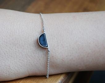 Silver minimalist bracelets, black onyx bracelet for women, geometric bracelet chain, delicate charm bracelet, black white bracelet for gift
