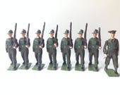 Vintage Britains Toy Soldiers Australian Infantry, Battle Dress, Marching at Slope, with Officer set 2031