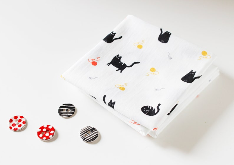 FAT QUARTER cotton poplin  Chunky Cats  Quirky Animals image 0