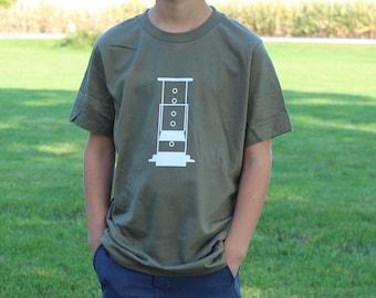 The Aeropress- Manual Coffee Brewing Kid's T-shirt (Brewing Coffee Manually)