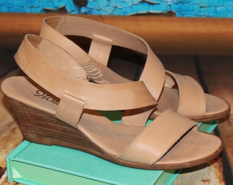 a22407c8264 9 Nine West Vintage 80s Women Brown Tan Natural Leather Wood Wedge Strappy  Sandal Shoe 5.5M